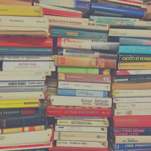 """""""Sin embargo, siempre habrá un nuevo libro, esperándonos para volver a comenzar."""""""